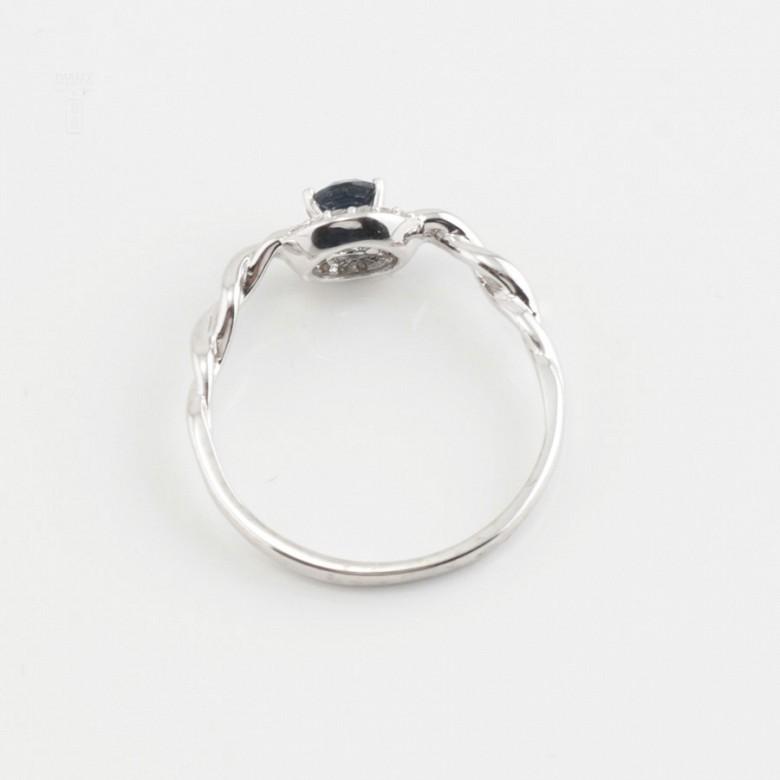 18K白金镶钻石配蓝包石戒指 - 3
