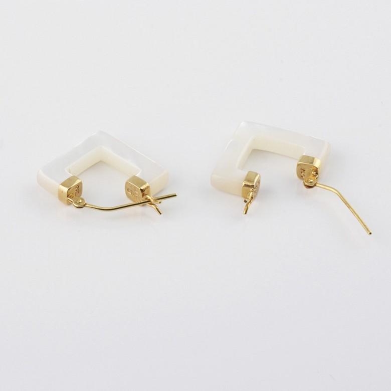 天然珍珠母配18K黄金耳环 - 1