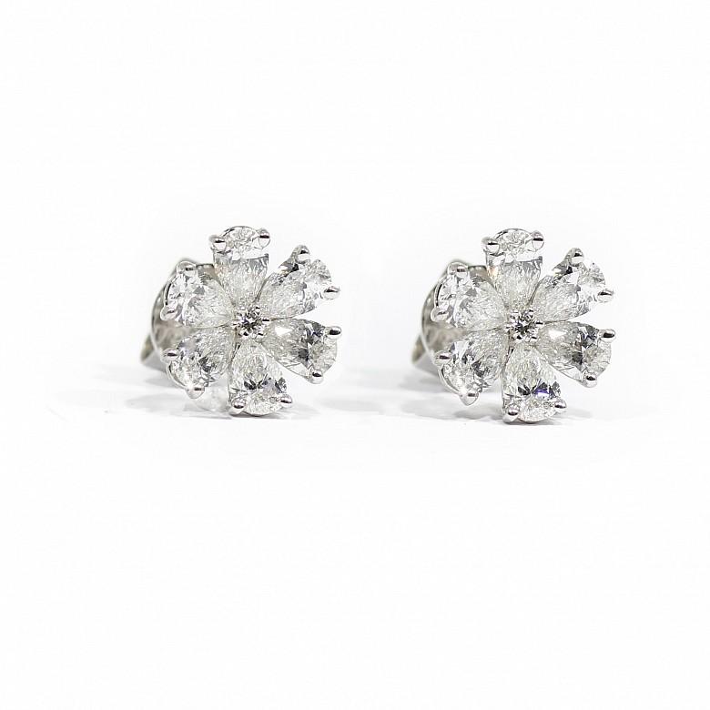 Pendientes oro blanco 18k y diamantes 1,87ct.