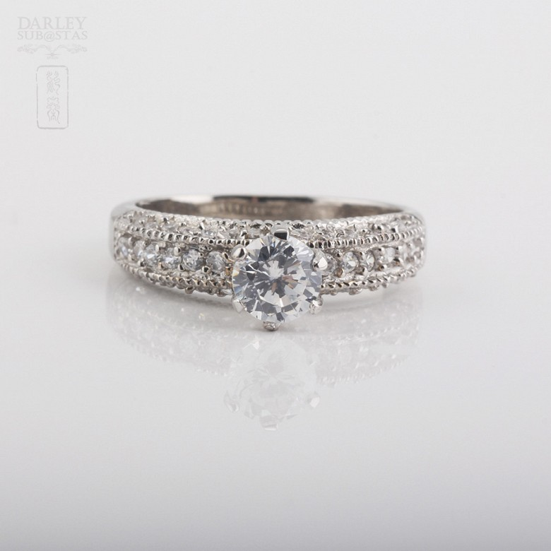 Ring in sterling silver, 925m / m, with rhodium.
