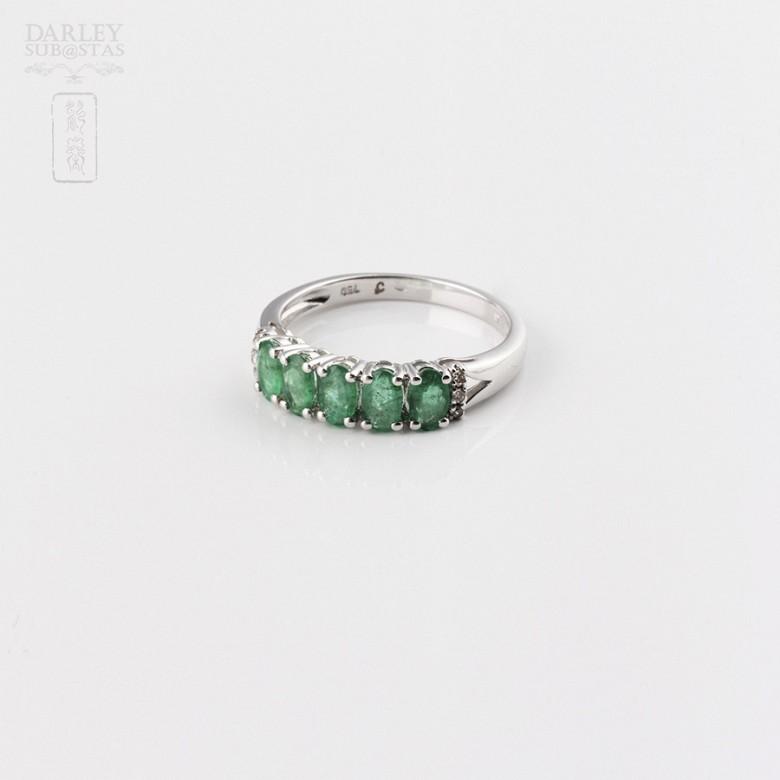 18k白金镶钻石配祖母绿戒指 - 3