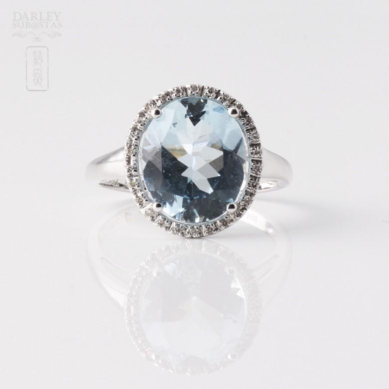 Anillo Aguamarina 3.95cts  y diamantes en oro blanco - 3