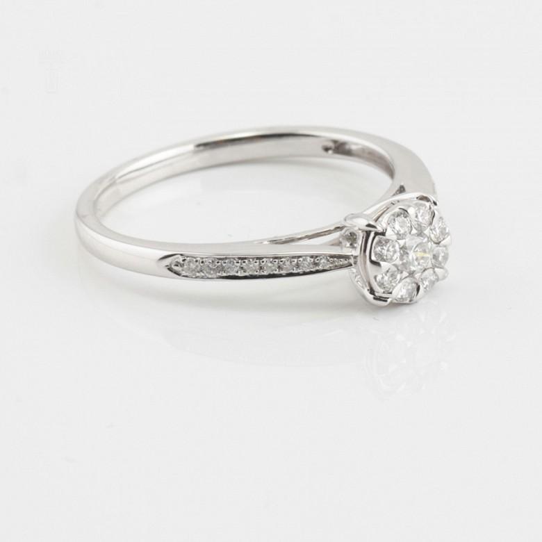 18K白金镶钻石戒指 - 3
