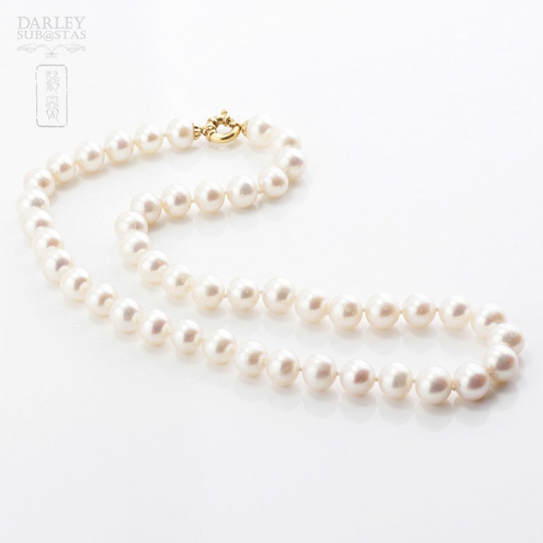 Pearl 9-10mm with 18k yellow gold clasp. - 4