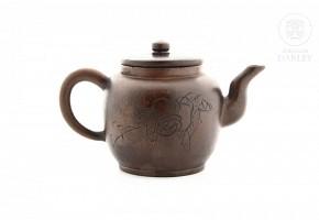 Tetera china en barro de Yixing.