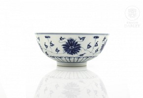 Bowl of peonies in blue and white porcelain, 20th century
