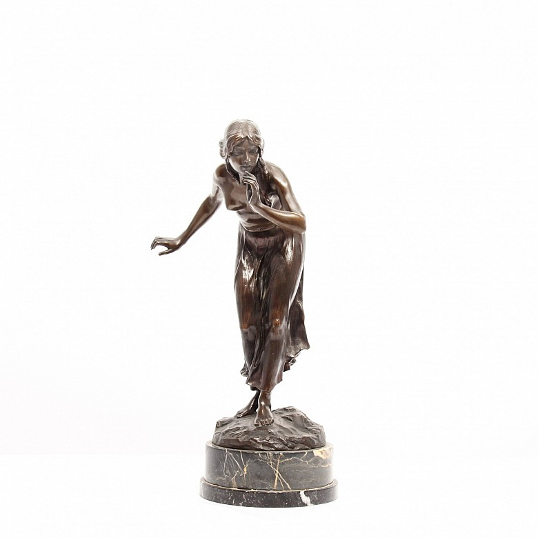 Martón Götze (1865 - 1928) Bronze figure with black marble foot.