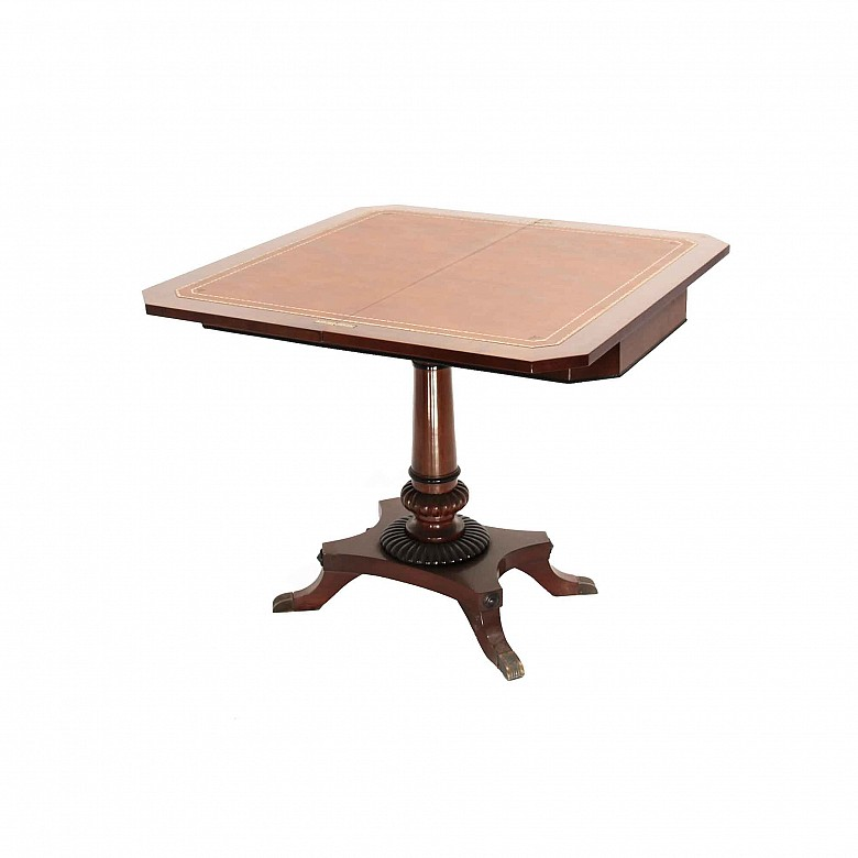 Mahogany wood game table, Regencia style, 20th century
