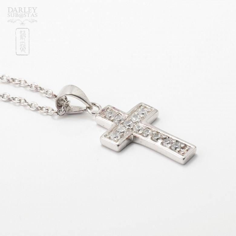 Collar cruz con circonitas en plata y rodio - 2