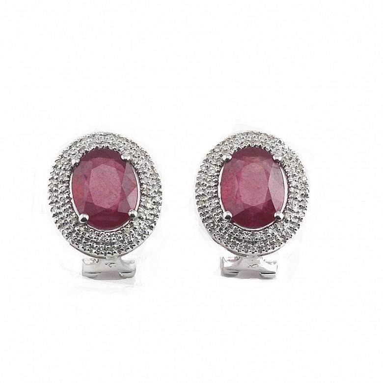 18k白金镶钻石配6.28克拉红宝石耳环