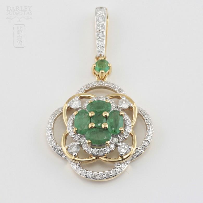 Precious emeralds and diamonds pendant