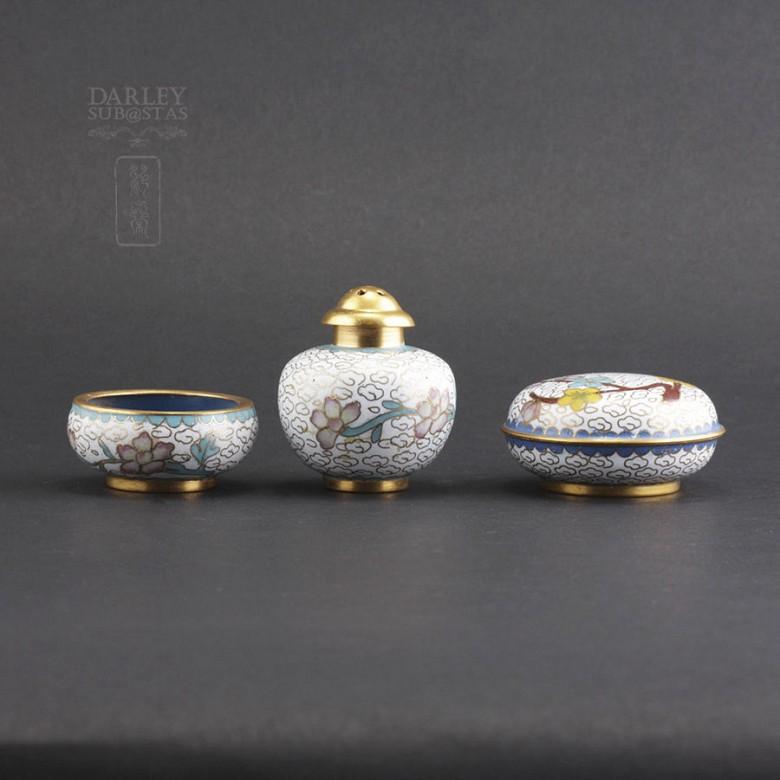 Tres bonitas piezas de cloisonne