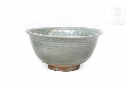 Cuenco con decoración incisa y vidriado celadón, Sawankhalok, s.XIV-XV