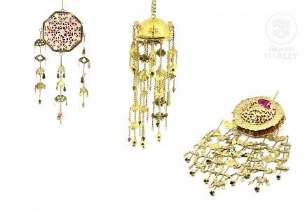 Lote de tres objetos decorativo indonesios, s.XX