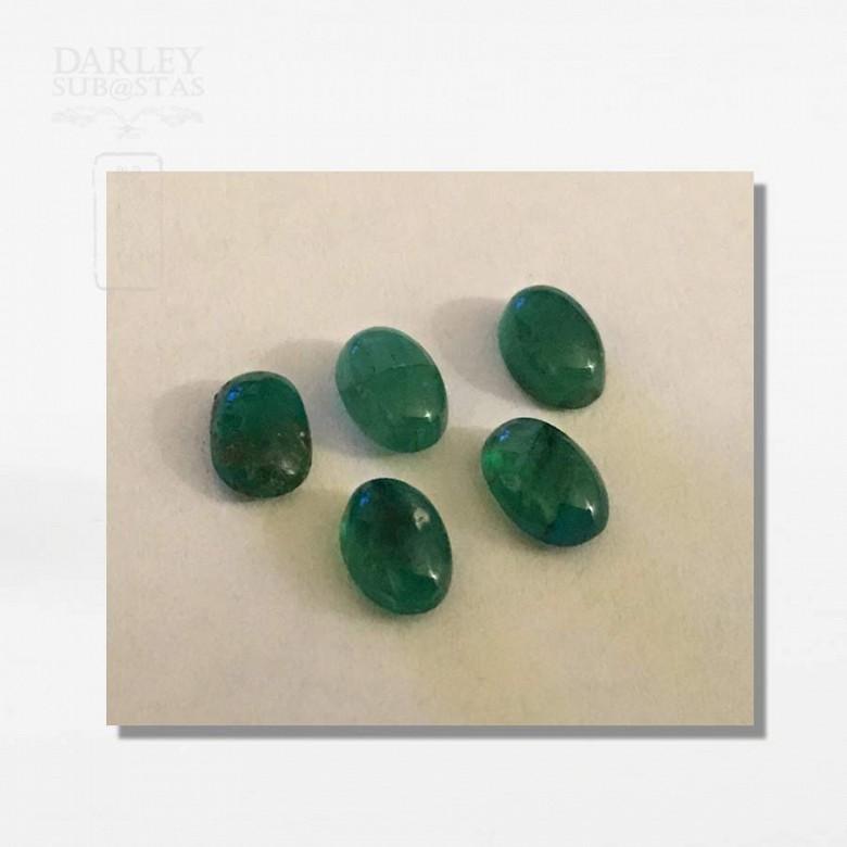 一组五颗巴西祖母綠