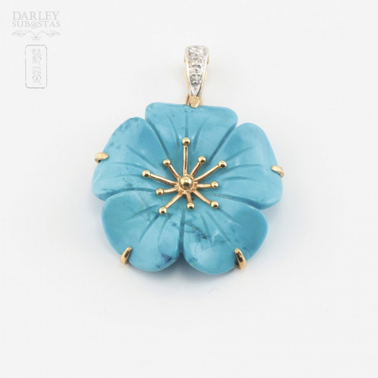 Natural turquoise pendant, 18k gold and diamonds