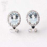 Pair of earrings in 18K white gold  with Aguamarina2.94cts and diamonds