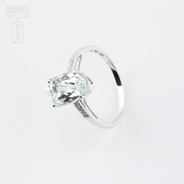 2.18克拉海蓝宝石配钻石18K白金戒指