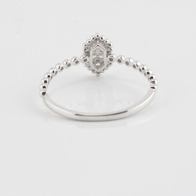 Bonito anillo oro blanco 18k y diamantes 0.09cts - 1