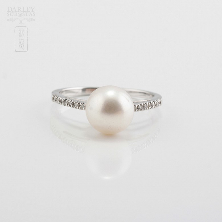 Ring with Natural Pearl White Gold and Diamonds - 1