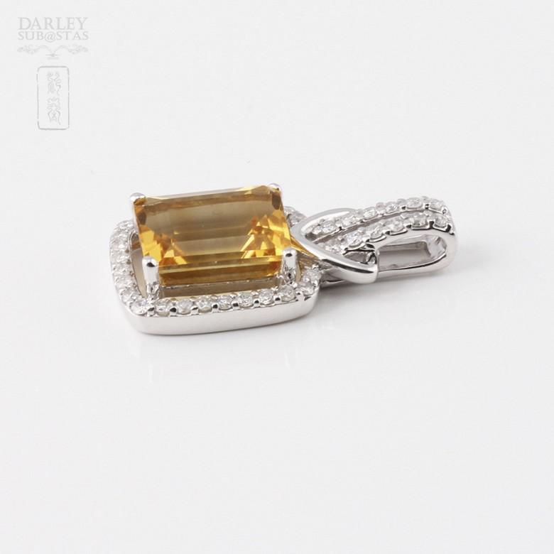 Colgante con citrino 3.47cts y diamantes en oro blanco de 18k - 2