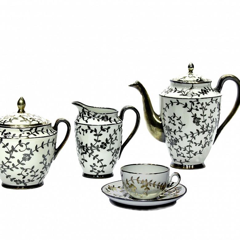 Tea set, porcelain by Johnson Bros, Meds. XX