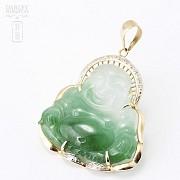 Colgante jade buda en oro amarillo de 14k y diamantes.