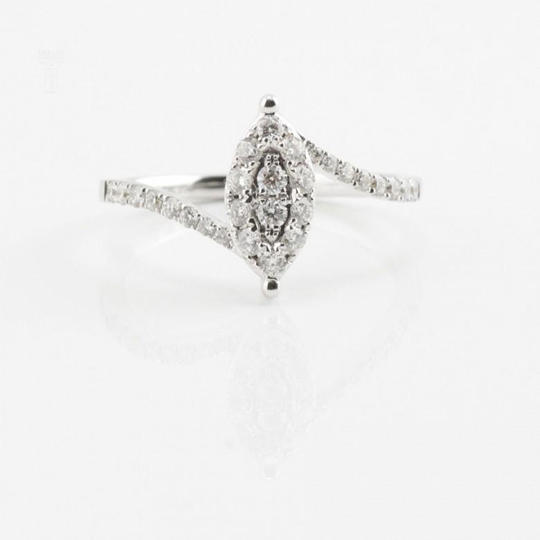 Beautiful ring white gold and diamonds 0.50cts