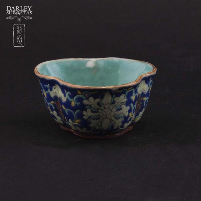 十九世纪彩绘小瓷碟