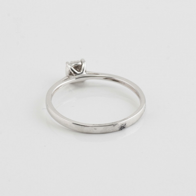 Ring in 18k gold and diamonds 0.11cts - 2