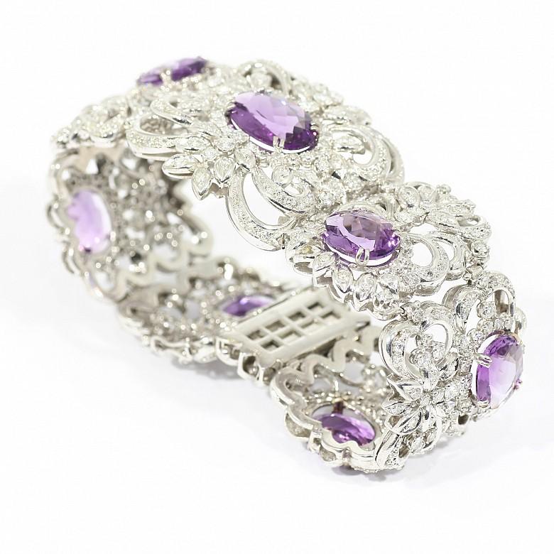 Bracelet in 18k white gold, diamonds and amethysts