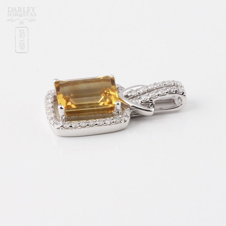 Pendant with 3.47cts citrine and diamonds in 18k white gold - 2