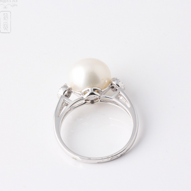 Ring with pearl and diamonds in 18k white gold - 1