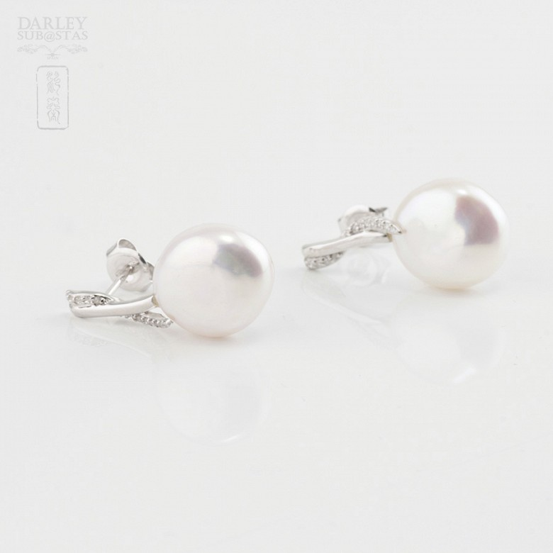 Baroque pearl and diamond earrings - 1
