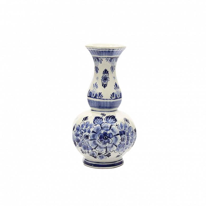 Delft vase, white and blue dutch porcelain, 20th century