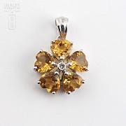 14K白金吊咀镶钻石及2.10克拉天然黄晶石