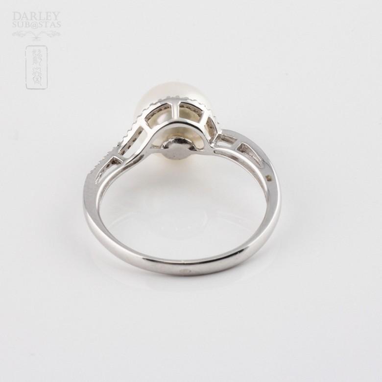 圆白珍珠配钻石18K白金戒指 - 1
