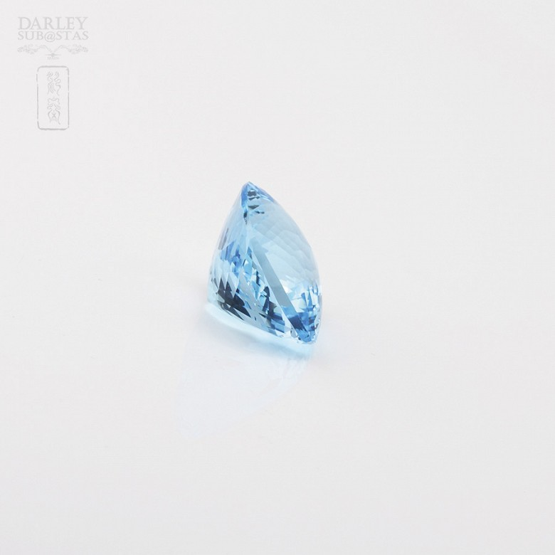 Natural Topaz slightly clear deep blue of 58.11 cts - 2