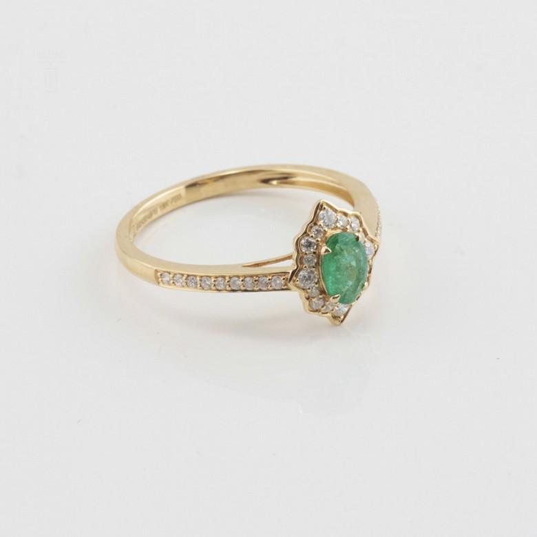 Precioso anillo oro 18k, brillantes y esmeralda - 1