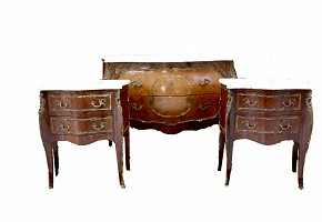 Chest of drawers and two veneered wooden coffee tables, 20th century