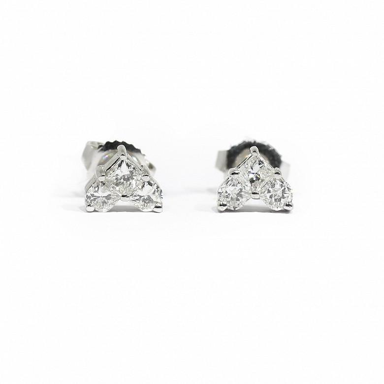 18K白金镶0.67克拉心型钻石耳钉
