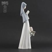Porceval figure nun and girl - 3