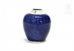 Small glazed vase in blue, without lid.