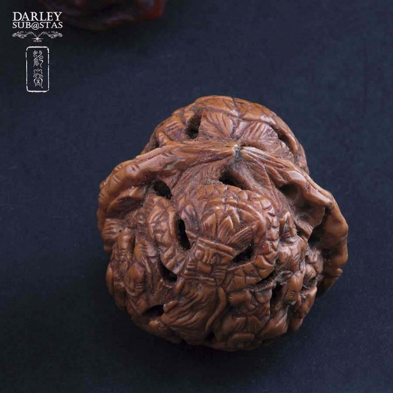 Four carved nuts - 1