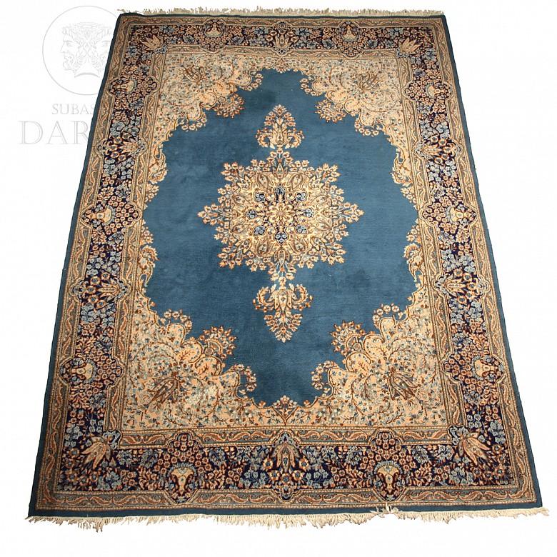 Oriental Carpet S.XX - 2