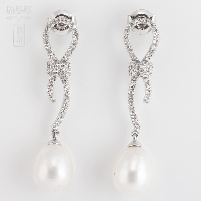 天然珍珠配钻石18k白金耳环