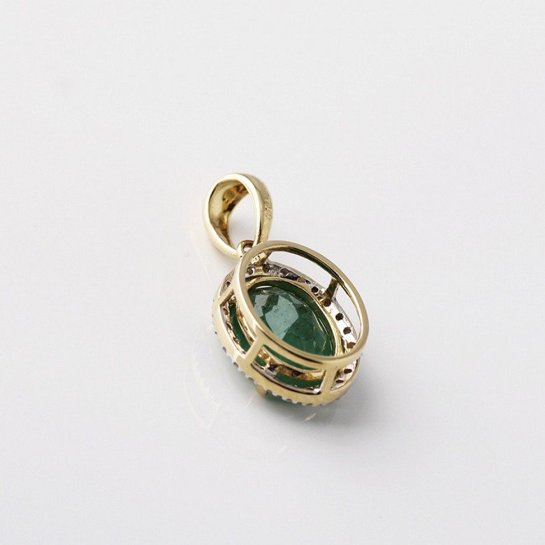 Pendant in 18k yellow gold with  2.27cts emerald and diamond - 2