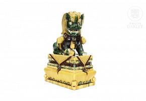 Glazed ceramic Chinese watchdog, 20th century