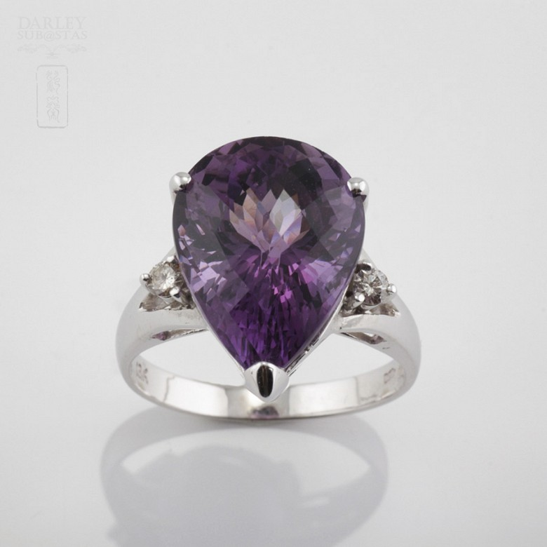 Fantastic ring with Amethyst and Diamond