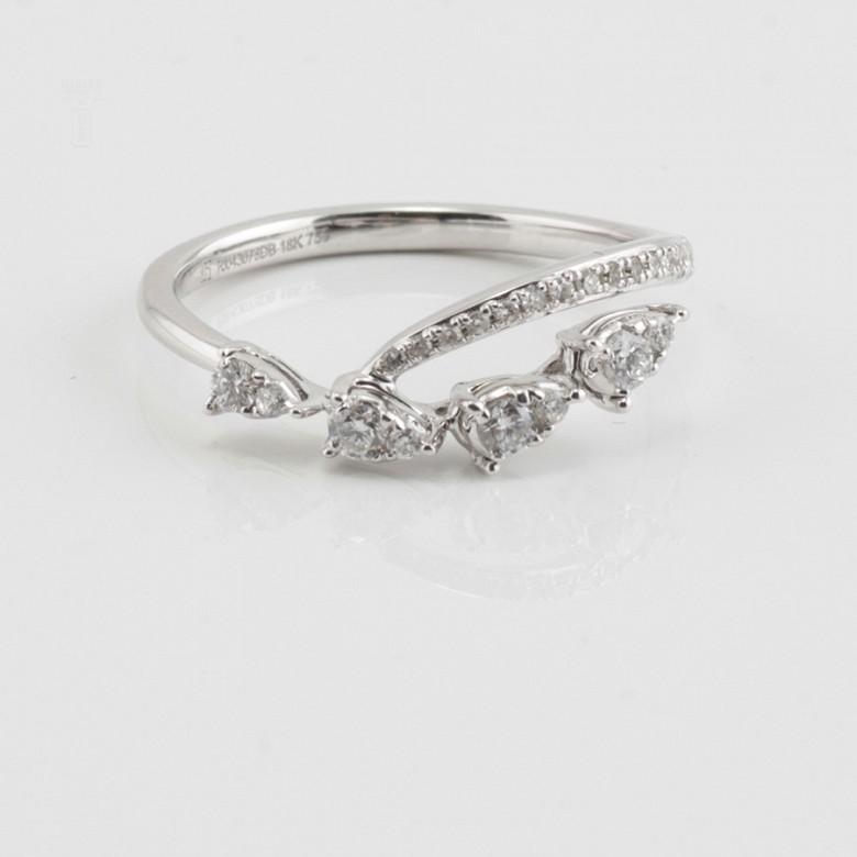 18K白金钻石戒指 - 4